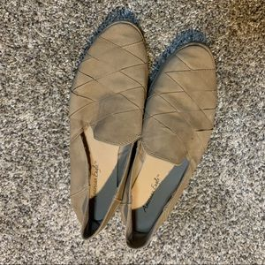 American Eagle Tan Flats Size 8